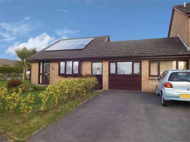 3 Bedrooms Semi Detached Bungalow for sale in Derwent Avenue, Steynton, Milford Haven, Pembrokeshire