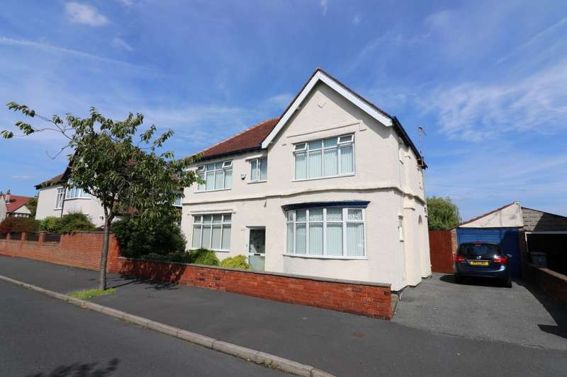 3 Bedrooms Detached House for sale in Shrewsbury Road, Wallasey