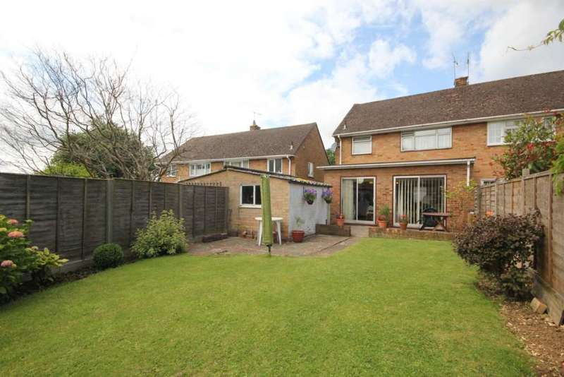 3 Bedrooms Semi Detached House for sale in LARGE EXTENDED 3 BED IN Furze Road, CHAULDEN, HP1