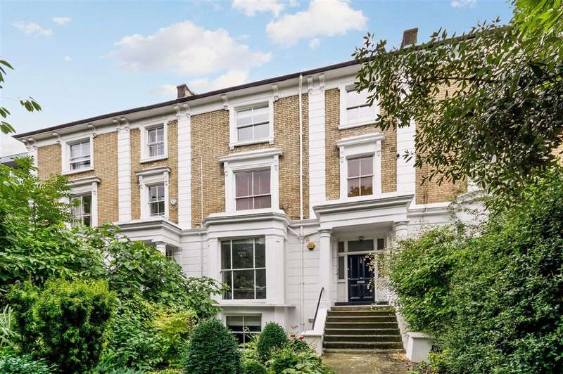 3 Bedrooms Flat for sale in Haverstock Hill, London, NW3