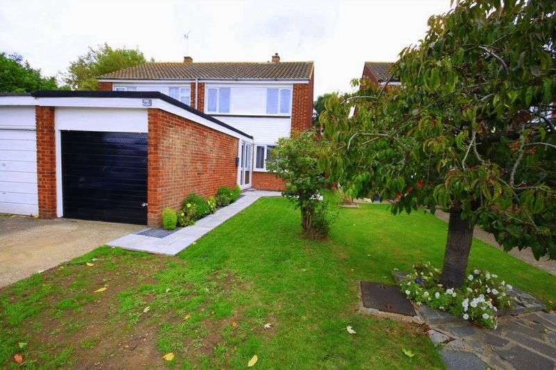 3 Bedrooms Semi Detached House for sale in Roundhills, Waltham Abbey