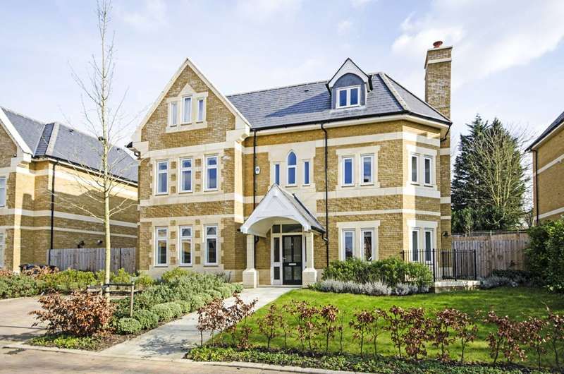 8 Bedrooms Detached House for sale in Havanna Drive, Temple Fortune, NW11