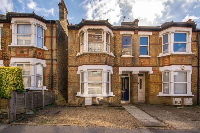 2 Bedrooms Flat for sale in Chatfield Road, Croydon, CR0
