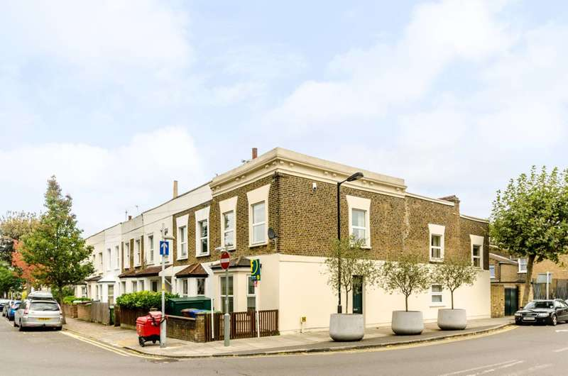 3 Bedrooms House for sale in Lyndhurst Way, Peckham Rye, SE15