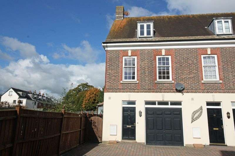 2 Bedrooms Terraced House for sale in St. Leonards Avenue, Blandford Forum