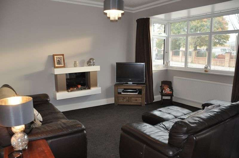 3 Bedrooms Terraced House for sale in Market Place, Adlington