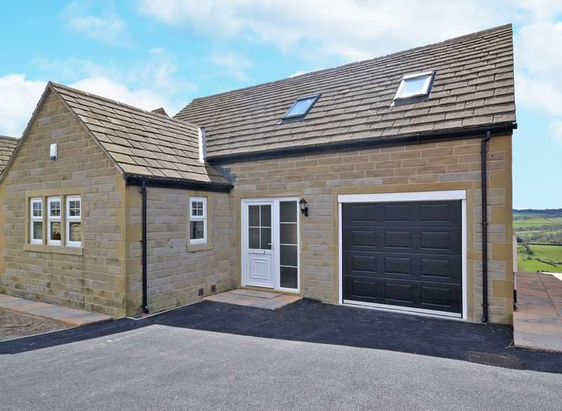 4 Bedrooms Detached House for sale in Foxroyd Lane, Thornhill