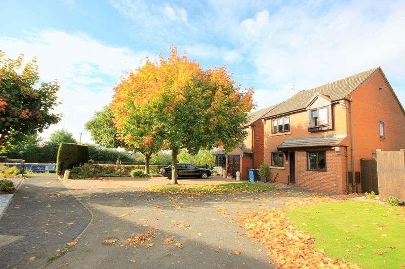 3 Bedrooms Detached House for sale in Glamis Drive, Stone