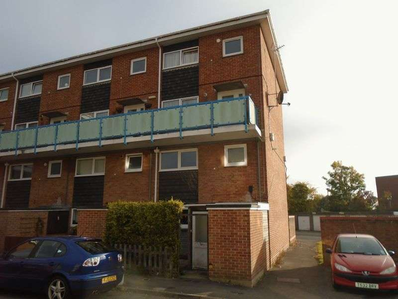 2 Bedrooms Flat for sale in Redlands Lane, Fareham