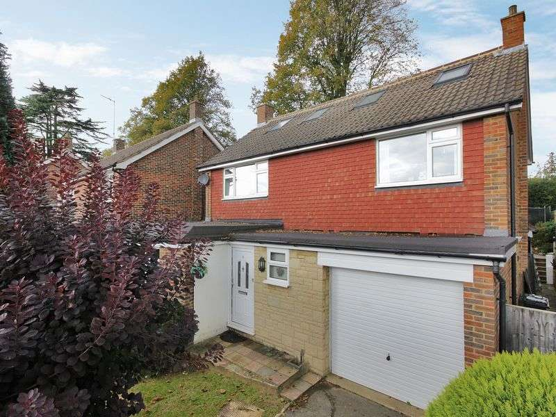 5 Bedrooms Detached House for sale in Lime Close, Reigate, Surrey