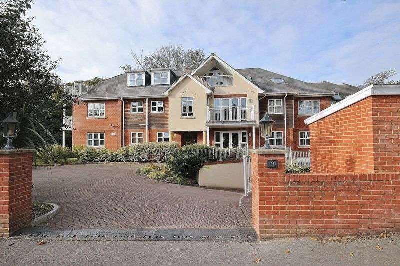 2 Bedrooms Flat for sale in Byron Road, Boscombe Manor, Bournemouth