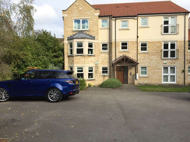 2 Bedrooms Flat for sale in Abbeystone Way, Leeds, North Yorkshire, LS25