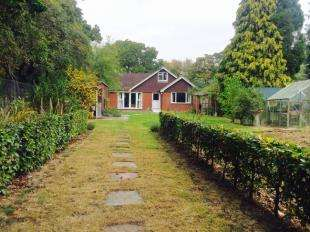 5 Bedrooms Bungalow for sale in Ashford Road, Bethersden, Ashford, Kent