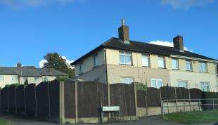 3 Bedrooms Semi Detached House for sale in Milton Close, Dover, Kent