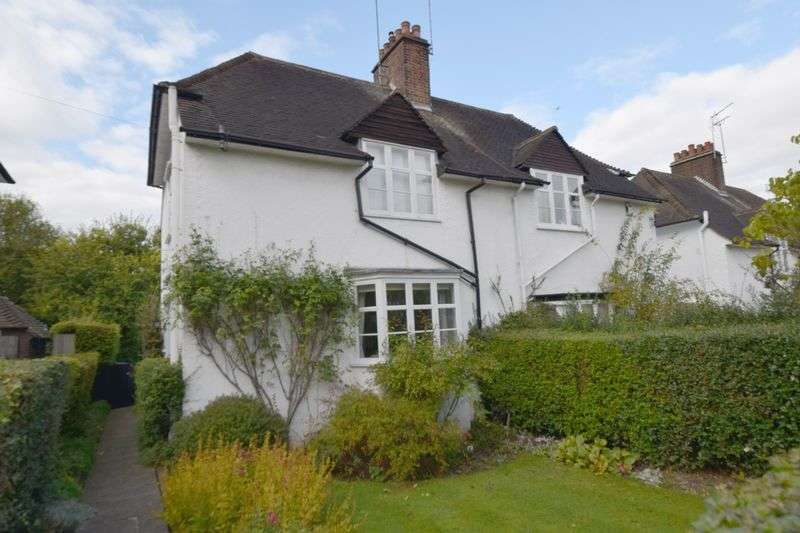 2 Bedrooms Cottage House for sale in Hogarth Hill, Hampstead Garden Suburb, London NW11
