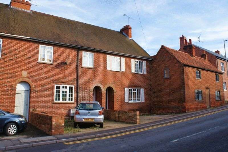 3 Bedrooms Semi Detached House for sale in Twyford, Berkshire.