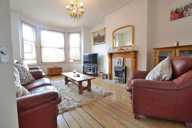 3 Bedrooms Flat for sale in College Road, Bromley