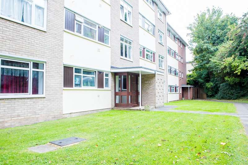 2 Bedrooms Flat for sale in Leahurst Court Road, Brighton, East Sussex, BN1