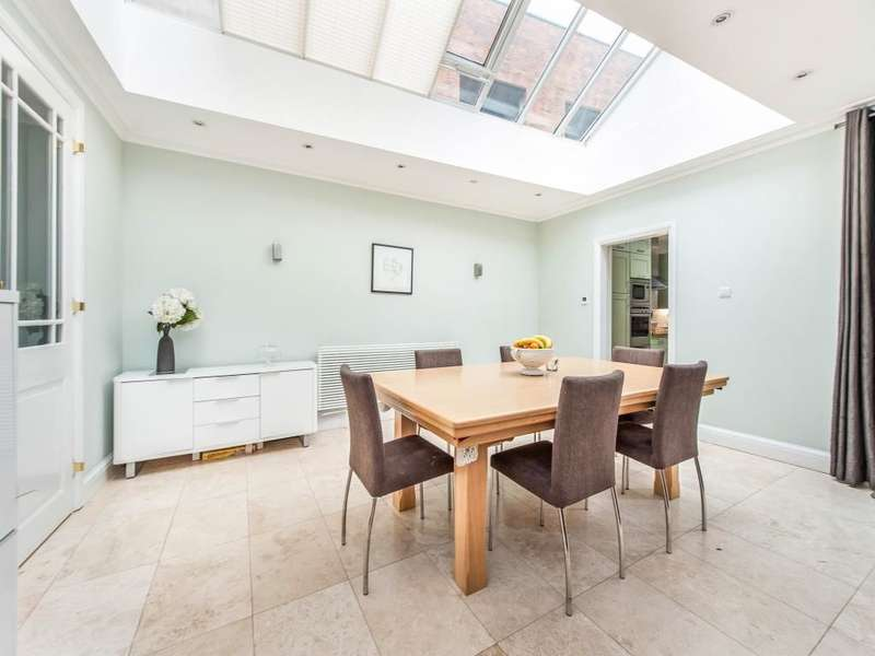 4 Bedrooms Semi Detached House for sale in Swan Street, Isleworth, TW7