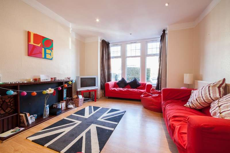 7 Bedrooms Terraced House for rent in Estcourt Terrace, Headingley, LS6