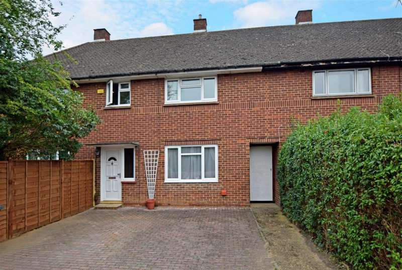 3 Bedrooms Terraced House for sale in Blumfield Crescent, Slough, SL1