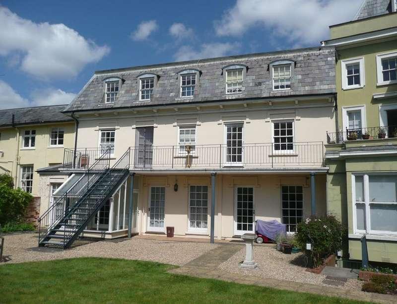 2 Bedrooms Flat for sale in Vivary Gate Upper High Street, Taunton, TA1
