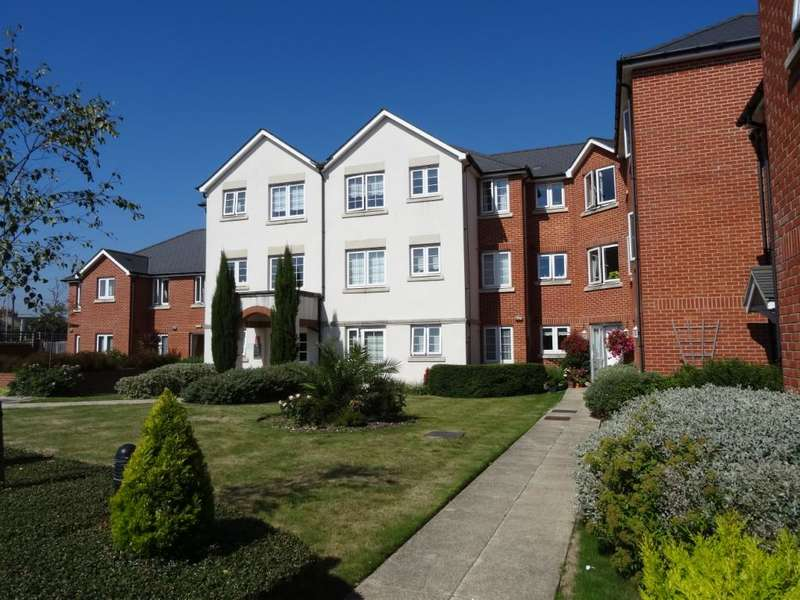 1 Bedroom Retirement Property for sale in Highfield Court, 75 Penfold Road, Worthing, BN14