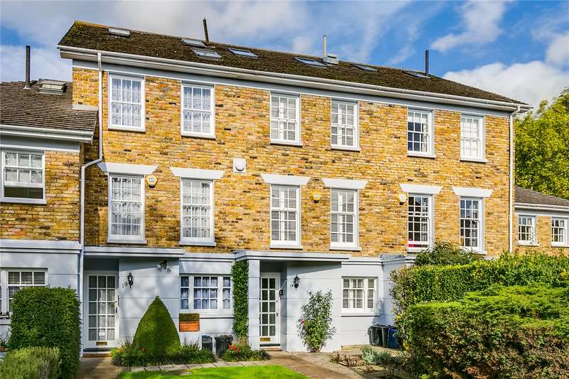 4 Bedrooms Terraced House for sale in Chester Close, London, SW13