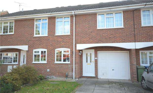 3 Bedrooms Terraced House for sale in Malvern Road, Farnborough, Hampshire
