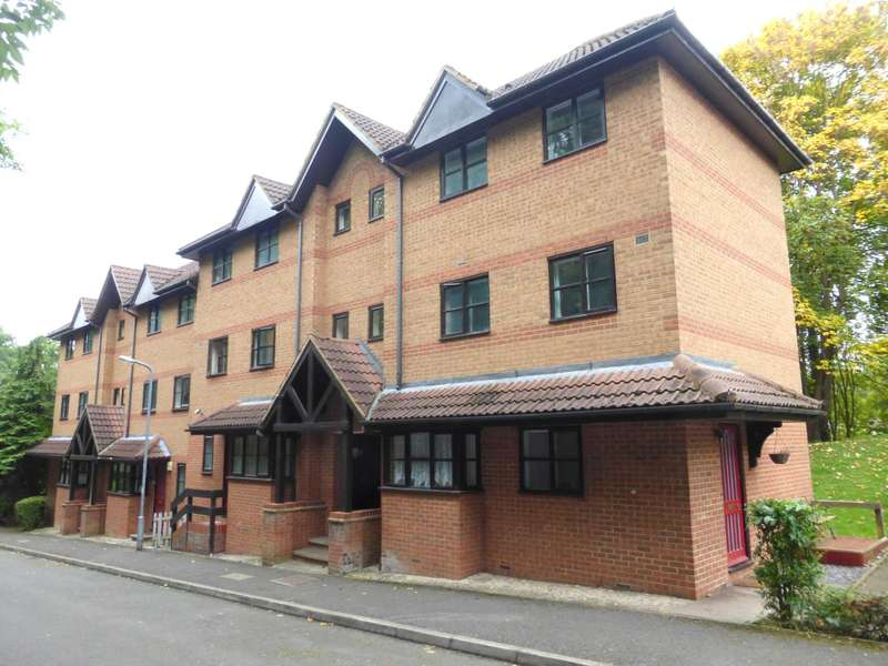 Apartment Flat for sale in Osprey Close, Watford