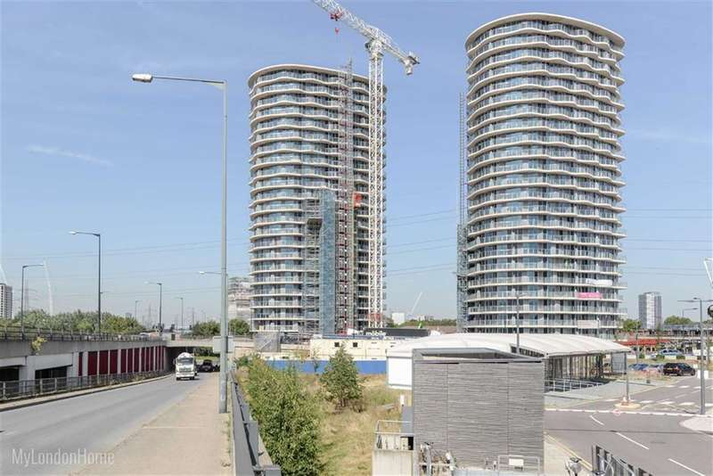 1 Bedroom Property for sale in Hoola Building, Canary Wharf, London, E16