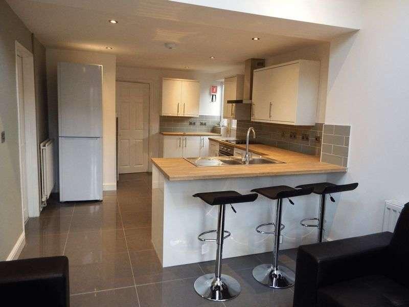 6 Bedrooms Semi Detached House for rent in Claude Street, Nottingham
