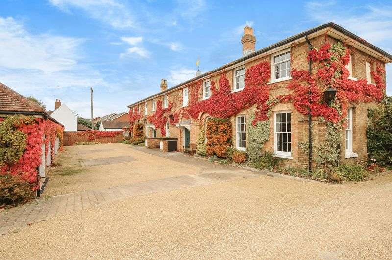 2 Bedrooms Cottage House for sale in Dunchurch Hall, Dunchurch, Warwickshire