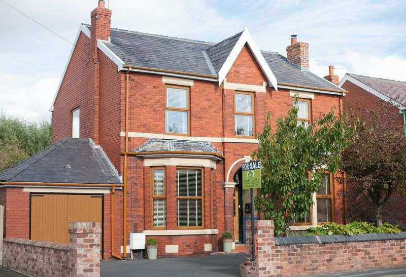 3 Bedrooms Detached House for sale in Ralphs Wifes Lane, Banks, Southport