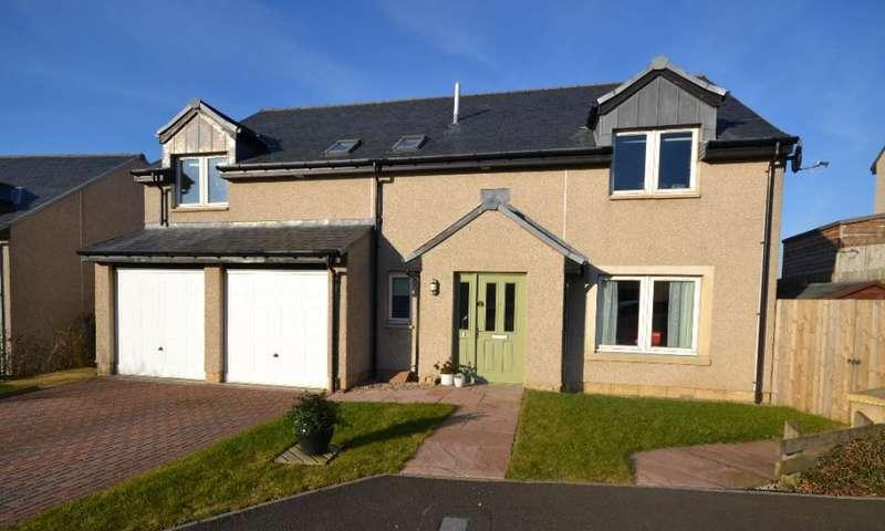 5 Bedrooms Detached House for sale in 3, Croftfield Denholm, TD9 8QB