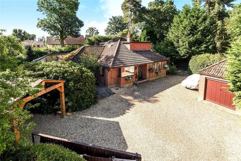 4 Bedrooms Detached Bungalow for sale in Gilbert Way, Finchampstead, Wokingham, Berkshire, RG40