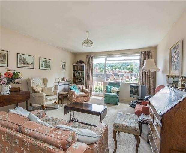 2 Bedrooms Flat for sale in Powlett Court, BATH, Somerset, BA2