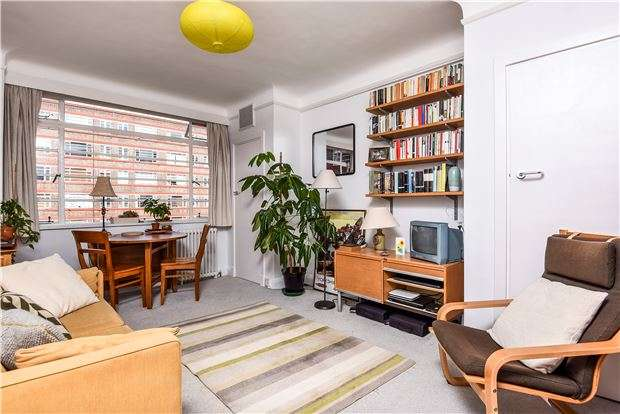 1 Bedroom Flat for sale in Du Cane Court, Balham High Road, LONDON, SW17