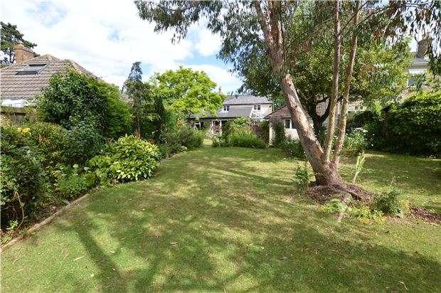 3 Bedrooms Cottage House for sale in Station Road, Woodmancote, CHELTENHAM, GL52 9HN