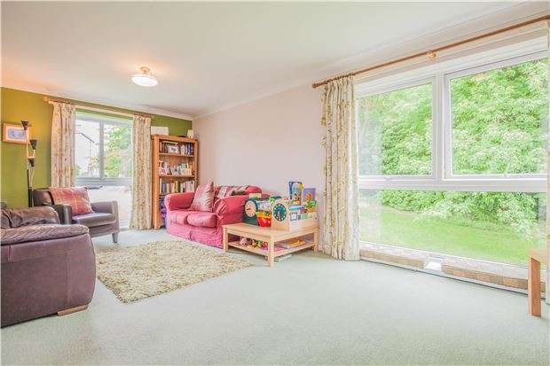 3 Bedrooms Flat for sale in Southfield Court, Bristol, BS9 3BL