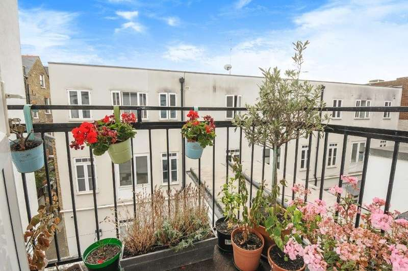 1 Bedroom Flat for sale in Balham High Road, SW12