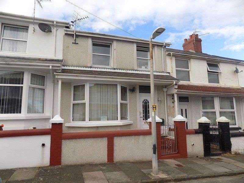 3 Bedrooms Terraced House for sale in Lewis Place, Porthcawl, Bridgend. CF36 3EG