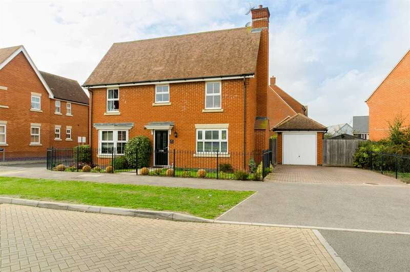 4 Bedrooms Detached House for sale in Crossways, Eden Village, Sittingbourne