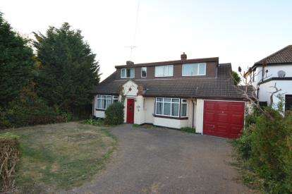 4 Bedrooms Bungalow for sale in Langdon Hills, Basildon, Essex