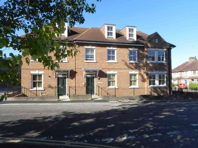 2 Bedrooms Apartment Flat for sale in Highbanks, Old Town, Hemel Hempstead