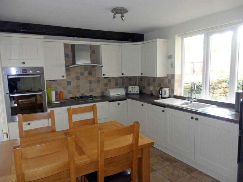 2 Bedrooms Cottage House for sale in Waverly Road, Astley Bridge