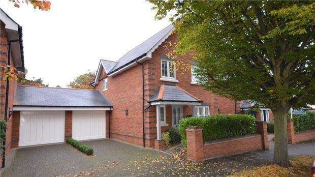 3 Bedrooms Link Detached House for sale in Mossy Vale, Maidenhead, Berkshire