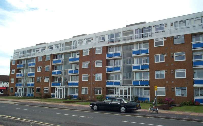 2 Bedrooms Flat for sale in Riverside, Shoreham-By-Sea