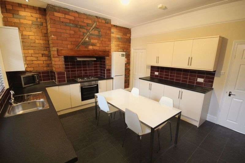 4 Bedrooms Terraced House for rent in Morris Grove, Kirkstall