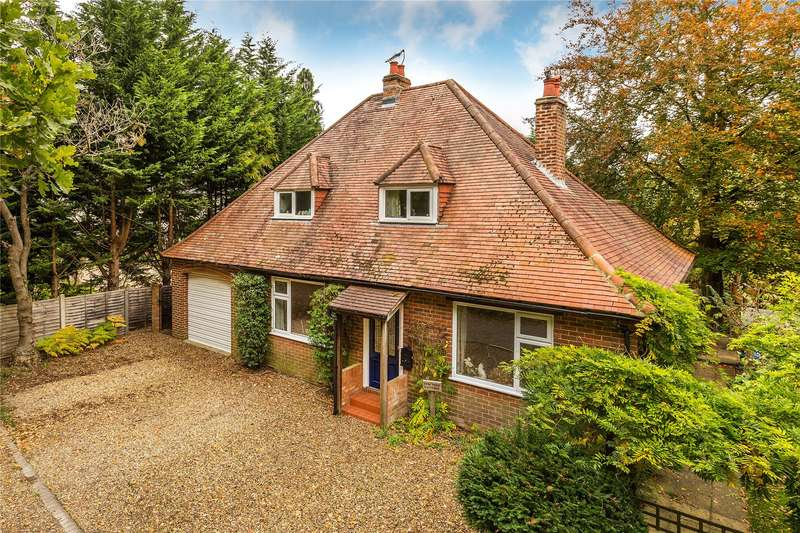 5 Bedrooms Detached House for sale in Yew Tree Cottage, Kemishford, Smarts Heath Road, Mayford, GU22